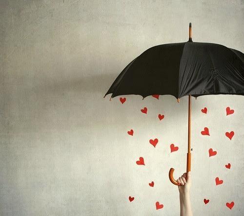 guarda chuva e corações